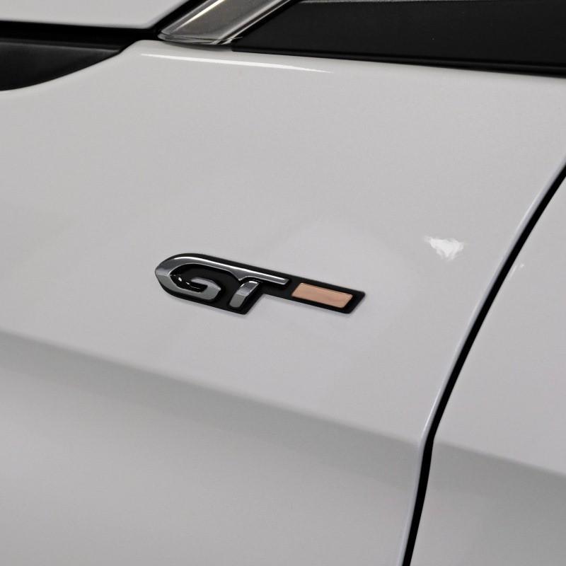 """Štítek """"GT"""" levý bok vozu Peugeot - Nová 3008 (P84), Nová 5008 (P87)"""