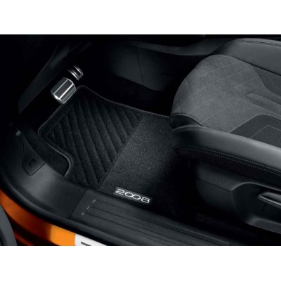 Serie di tappetini in moquette agugliata Peugeot 2008 (P24)